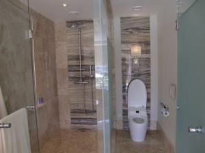 ロイヤルスイートルームのバス&シャワー
