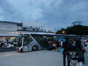 ターミナルへの移動バス