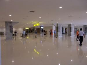 デンパサール空港内6