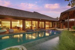 Santai Three bedroom - Pool by dusk