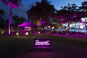 1_Sunset Beach Bar & Grill - Night Time