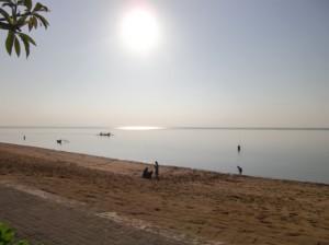 早朝ののどかなビーチ1