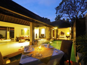 03. Private Dining at Pool Villa