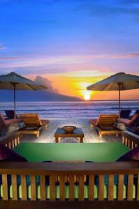 h. Aston Sunset Beach beachfront evening