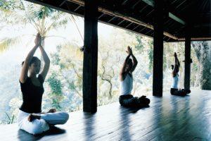 44165889-H1-sitting_yoga